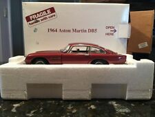 Danbury Mint 1964 Aston Martin DB5  1:24 Scale Diecast