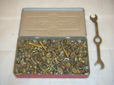 Märklin Metallbaukasten 100 Schrauben und 100 Muttern
