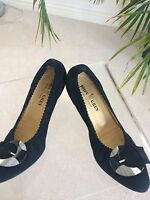 Ladies John Grey evening/office shoes size 8