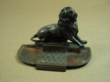 Löwe von Belfort, Reiseandenken, war auf dem Schreibtisch für Schreibfedern.