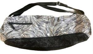 LULULEMON Drishti Yoga Tote Bag Sketchy Palms White Black EUC Gym Studio Mats