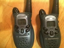 Motorola TalkAbout T5300 FRS Two-Way Radio Pair with User's Guide