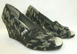 TOMS Black/Brown/White Wedge Heel Knit Open Toe Boots US 7.5 Ankle Women Bootie