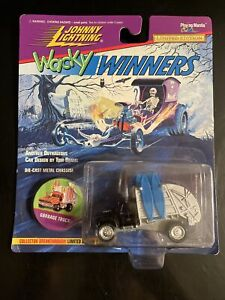 NEW 1996 Johnny Lightning Wacky Winners Garbage Truck Series 4 LIMITED EDITION