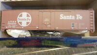 Roundhouse MDC HO  50'Plug Door  Boxcar Kit ,Santa Fe,. NIB