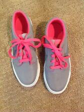 EUC-Like new Nike Athletic Shoes Pink Gray Size 5