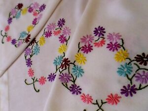 """VINTAGE Tablecloth HAND EMBROIDERED Floral DAISY Like Flowers Large 61"""" x 46"""""""