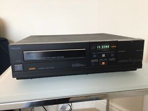 Philips CD-104 Vintage CD Player.  G.W.O. Superb Condition.