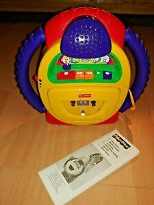 Fisher Price B0334 Kassettenrecorder mit Micro inkl. 28 Audiokassetten