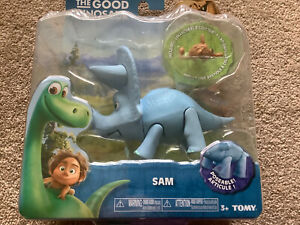 The Good Dinosaur Young Sam Triceratops Figure Disney Tomy L62005 3 Years+ NEW