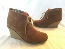 f59e3fcdfadfd6 New listingClarks ~ Brown Suede Lace Up Ankle Boots ~ 3