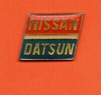Pin's lapel pin pins Car Voiture Marque Logo NISSAN  DATSUN (Changement en 1981)