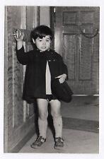 PHOTO Classe de Maternelle 1950 École Écolier Portrait d'un petit garçon Porte