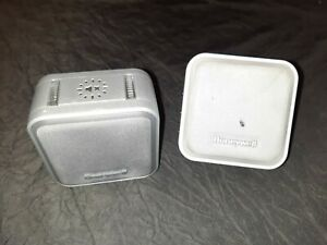 Two Honeywell door chimes - one plug and one wireless