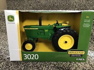 Ertl 1/16 Scale John Deere Model 3020 Tractor Diecast