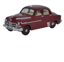 Oxford 76VWY005 Vauxhall Wyvern Red 1/76 Scale = 00 Gauge New in Case - T48 Post