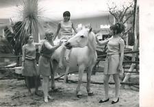 Le stand de la Camargue à La Foire de Paris, 1966 Vintage silver print Tirage
