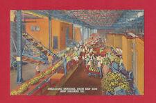 NEW ORLEANS LOUISIANA LINEN POSTCARD UNLOADING BANANAS FROM SHIP CIRCA 1937