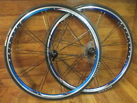 BONTRAGER RACE LITE BLADED PAIRED 700C 8 9 10 SPEED BLUE ANODIZED WHEEL SET