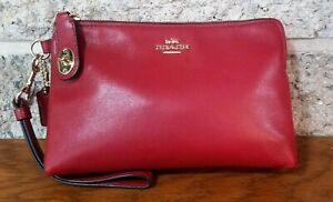 COACH 52607 RED CURRANT LEATHER TURNLOCK WRISTLET CLUTCH WALLET BAG POUCH