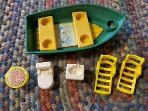 VTG Fisher Price LP Play Family Camper #994 Boat, 2 chaise, BBQ, Sink, Toilet