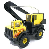 Tonka Truck Turbo-Diesel Crane Bucket Truck Pressed Steel XMB-975 Tonka Turbo