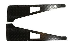Land Rover 3mm Black Wing Top  Chequer Plate With Aerial Hole Part# BA113E