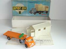 (S) triang spot on FORD THAMES TRADER WITH GARAGE KIT - 111/aOG