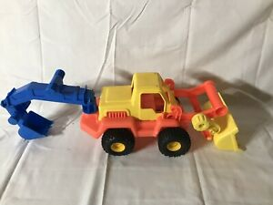 Wader Quality Toys Basics Excavator Construction Vehicle Red Yellow Blue Germany
