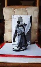 *NEW*  DC Collectibles Batman Black and White Batman Statue Gary Frank #'D/5000
