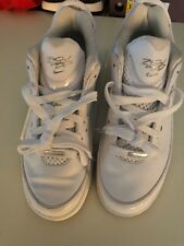 LeBron James Nike 7 low White Shoes, Size 8.5