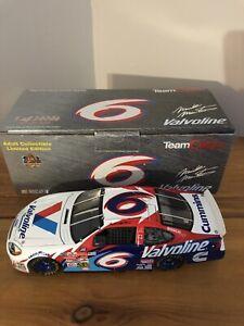 2000 Mark Martin #6 Valvoline Roush Ford 1:24 NASCAR Team Caliber Diecast