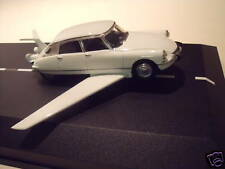 CITROEN  DS 19  FANTOMAS  DE  FUNES  VROOM  KIT  1/43  UNPAINTED  KIT  BAUSATZ