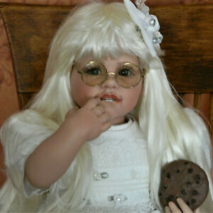 """2002 Limited Edition Precious""""Smart Little Cookie"""" Fayzah Spanos (White Blonde)"""