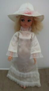 vintage 1976 Pedigree SINDY Doll clothing WEDDING BELLS white Bridal Dress Hat