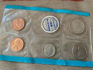 1970 Uncirculated Mint Set Bureau Philadelphia Blue Package Pennies Dime Nickel