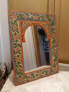 AN INDIAN WOODEN HAND CRAFTED & PAINTED WALL MIRROR