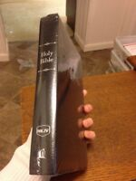 NEW Nkjv Holy Bible Personal Size Giant Print Reference Black Thomas Nelson 2006