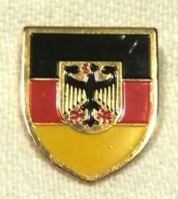Abzeichen Pin Anstecknadel DEUTSCHLAND Bundesadler Adler (Schildform Flagge)