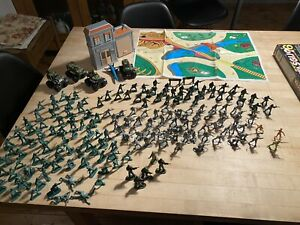 Large Bundle Of Plastic Soldiers With Playmat And Four Vehicles & Plane