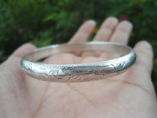 "Sterling Silver - 7.0MM Hand-Chased Floral Hinged Bangle 8g - Bracelet (7.0"")"