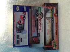3 Trucks Road Champs Big Rigs SpecCast Kenworth 18 Wheeler Mobil Delivery Truck