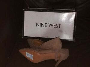 LADIES SIZE  6 NINE WEST WIDE FITTING SHOE BRAND NEW AND BOXED