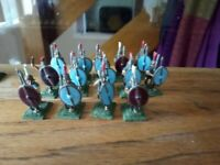 War Games  Metal Figures x 14  Roman soldiers  25mm