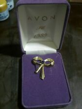 Avon Brooche pin Very rare and discontinued PC 1999 gold plated brand new in box
