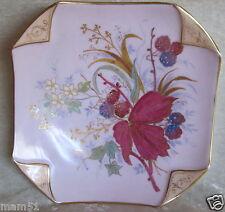 Belle assiette carrée décorative porcelaine Limoges ou Paris décor floral peint
