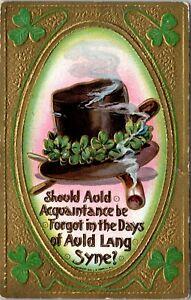 VTG St Patricks Day Emobossed Gold Green Auld Lang Syne Tophat Clover Postcard