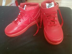 Nike Schuhe 34