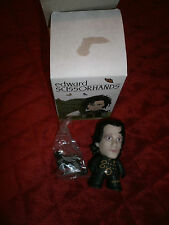 TITANS VINYL FIGURE  EDWARD SCISSOR HANDS EDWARD 2/20 VERSION 2