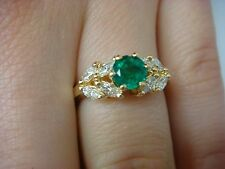 18K YELLOW GOLD COLOMBIAN EMERALD AND MARQUISE DIAMONDS LADIES RING, SIZE 5.5